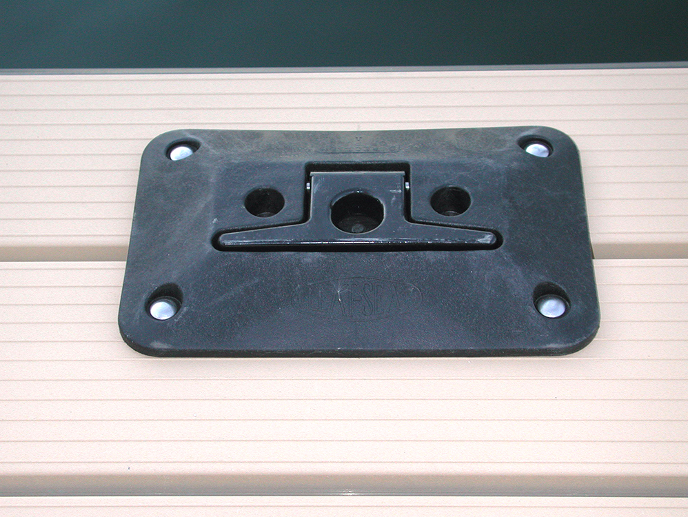 Flotation Systems Dock Cleat Closed